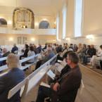 Im Kirchensaal erlebten die Zuhörer beim Konzert mit Orgel und Djembe das Zusammenspiel von Europäischer Orgelmusik mit afrikanischen Rhythmen.