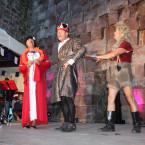 """Mit dem 21. Burgspektakel der Gemeinde Königsfeld feierte die Eigenproduktion der Burgtheater AG mit """"Siegfried - Götterschweiß und Heldenblut"""" ein wahrhaftiges Nibelungenspektakel."""